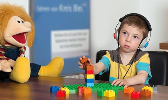 children-screen-play-audiometry
